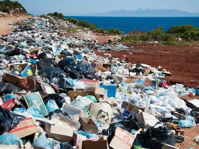 garbage-along-a-road.jpg