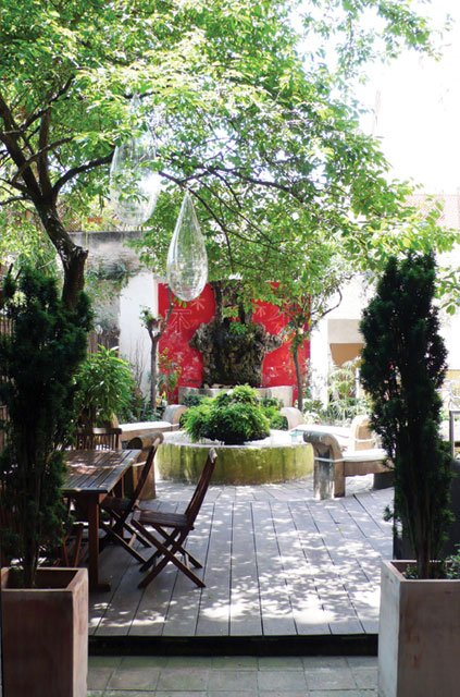 The gardens of Espace Ample