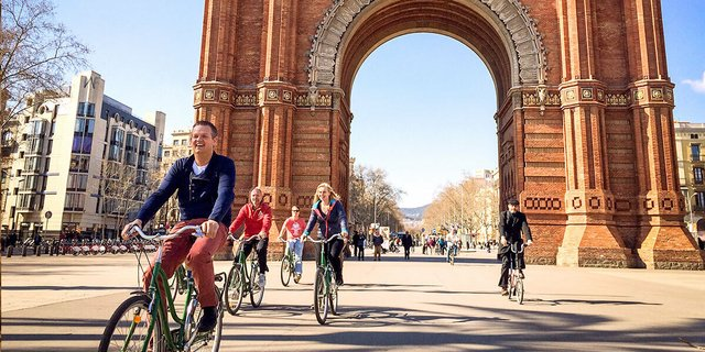 Experiences Bike Tour Arc Tiumph
