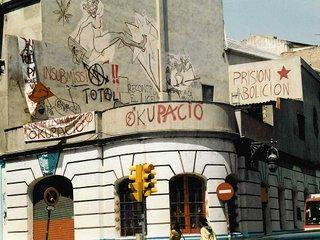 Barcelona-teatro_okupado-photo-by-Joe-Mabel-(CC-BY-SA-3.0).jpg