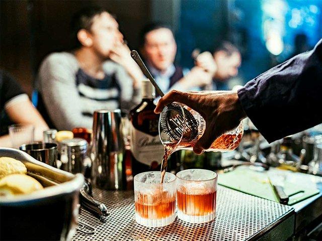 bartender-making-cocotails.jpg