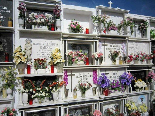 cemetery-graves-spain.jpg
