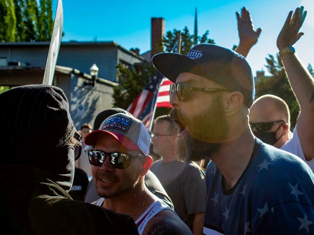 Blue_Lives_Matter_meets_ACAB-photo-by-David-Geitgey-Sierralupe-from-Eugene,-Oregon-(CC-BY-2.0)04.jpg
