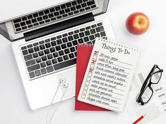 list-things-desktop-concept.jpg