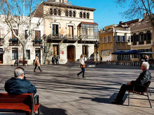 Plaça-de-la-Concòrdia,-Les-Corts-Photo-by-Paola-de-Grenet,-courtesy-of-Ajuntament-de-Barcelona-(CC-BY-NC-ND-4.0).jpg