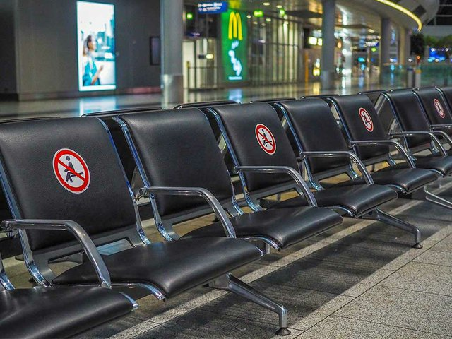 airport-seats-empty.jpg