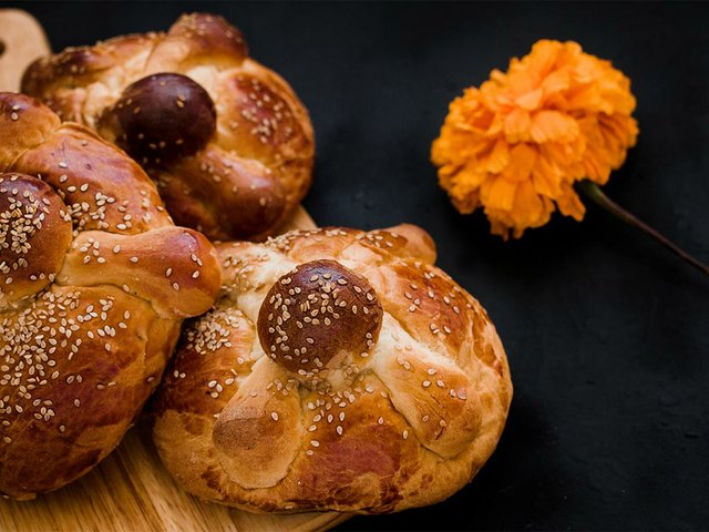 pan-de-muerto-mexico-mexican-sweet-bread-day-dead-festivities.jpg