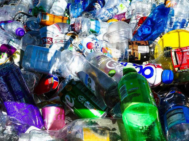 drinks-containers-to-be-recycled.jpg