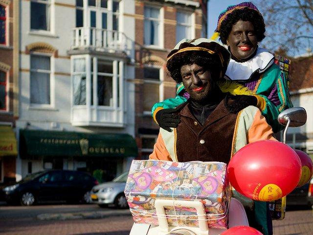 Zwarte_Piet_Nov-12,-2011-photo-by-Sander-van-der-Wel-(CC-BY-SA-2.0)-via-Wikimedia.jpg