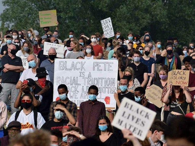 Black_lives_matter_and_Black_Pete_demonstration_Jun-13,-2020-Rengerspark-Leeuwarden_Netherlands-photo-by-Arnold-Bartels,-CC-BY-SA-4.0-via-Wikimedia-Commons.jpg