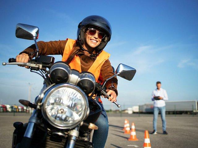 motorcycle-driving-school.jpg