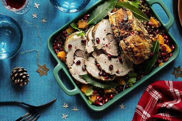 festive-holiday-dinner-with-roasted-christmas-ha.jpg