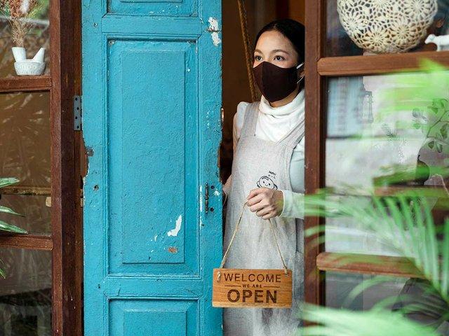 woman-openning-shop.jpg