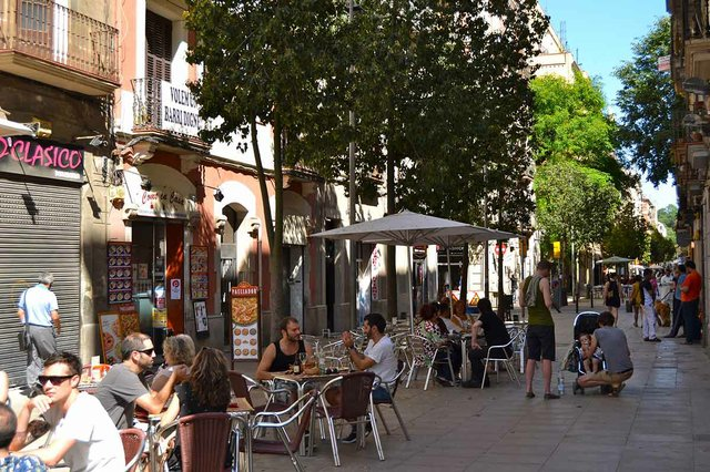 terraces-in-Poble-Sec-photo-by-Oh-Barcelona.com-(CC-BY-2.0)-04.jpg