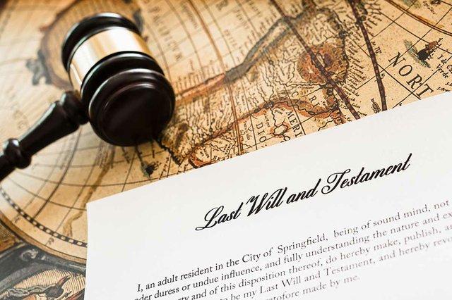lawyer-gavel-certifies-testament-last-will.jpg