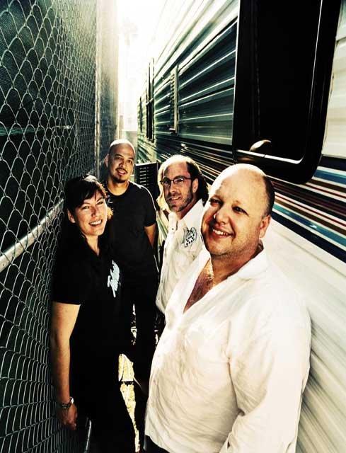 Pixies-02.jpg