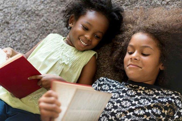siblings-children-reading-books.jpg