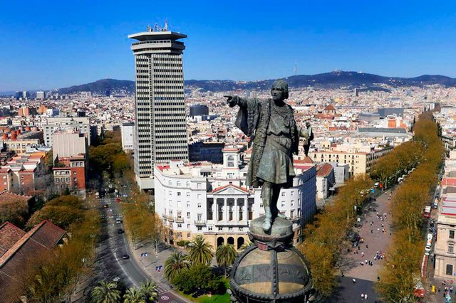 barcelona-cityscape-view-from-top-of-columbus-statue-looking-up-les-rambles.jpg