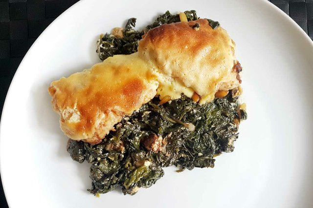 cod-topped-with-aliol-served-on-a-bed-of-spinach-with-raisins-and-pine-nut-04.jpg