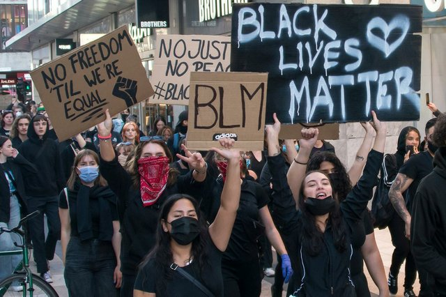 Black_Lives_Matter_in_Stockholm_2020-by-Frankie-Fouganthin-(CC-BY-SA-4.0).jpg