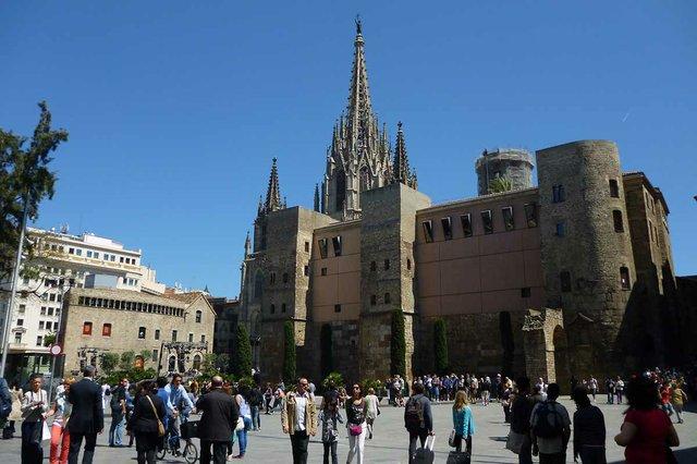 Casa-de-l'Ardiaca-photo-by-Oh-Barcelona-(CC-BY-2.0).jpg