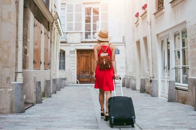 Moving-to-Barcelona.jpg