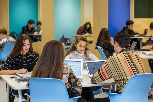 high-school-students-working-on-laptops-at-the-British-school-of-Barcelona.jpg