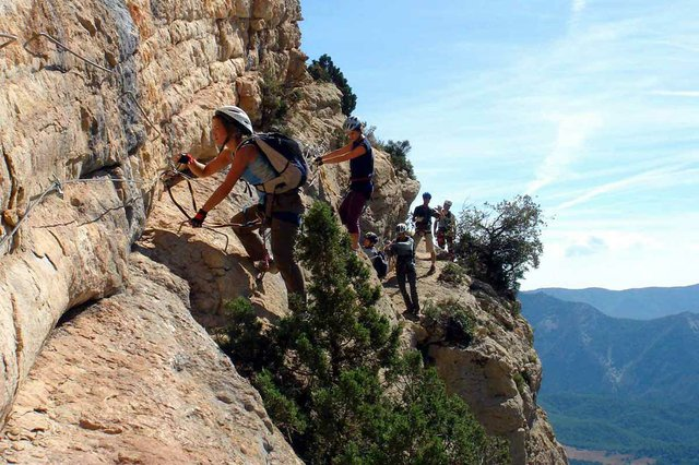 Via-Ferrata-Regina-Oliana-Lleida-photo-by-David-Domingo-(CC-BY-NC-SA-2.0)-06.jpg