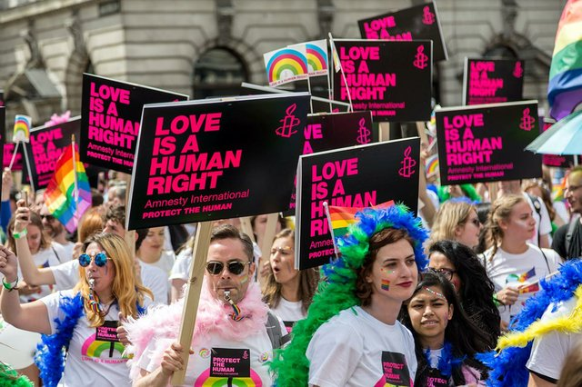 london-pride-parade-love-is-a-human-right.jpg