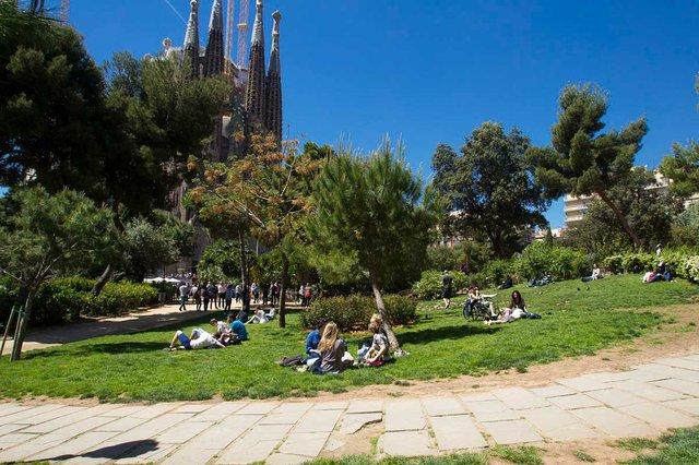 jardins-de-la-placa-gaudi-photo-byÒscar-Giralt-courtesy-of-Ajuntament-de-Barcelona-(CC-BY-NC-ND-4.0).jpg