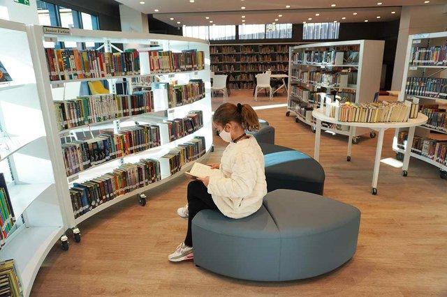 Benjamin-Franklin-International-School-Library-ES.jpg