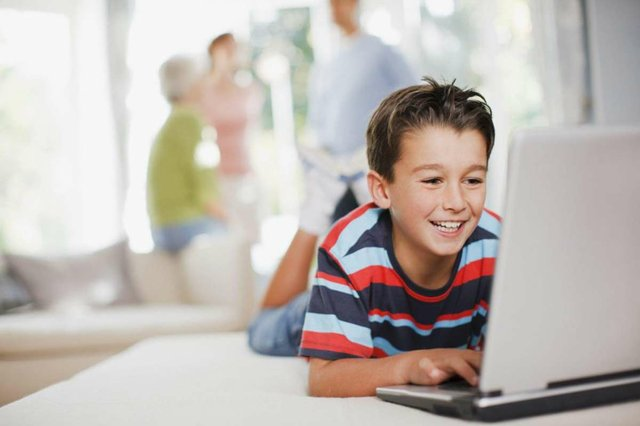 InterHigh-PLC-Spain--Boy-laptop.jpg