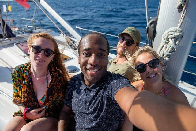 friends-boating-taking-selfie-summertime-picture-carefree-people.jpg