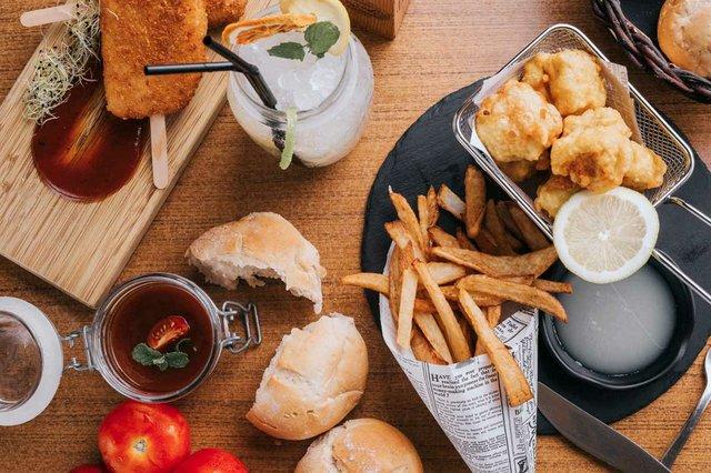 fish-potatoes-with-fried-cheese-jam.jpg