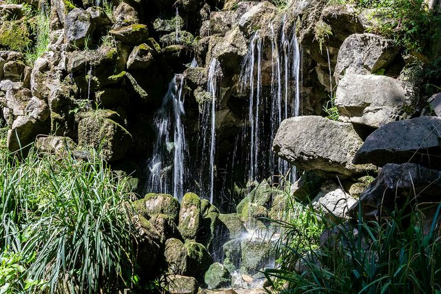 Parc-del-Laberint-d'Horta-photo-by-DConvertini-(CC-BY-SA-2.0)-01.jpg
