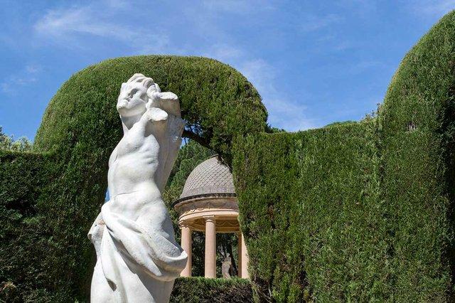 Parc-del-Laberint-d'Horta-photo-by-DConvertini-(CC-BY-SA-2.0)-14.jpg