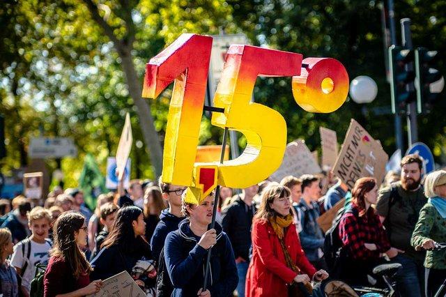 climate-change-protest-Bonn,-Germany-sep-2019-mika-baumeister.jpg