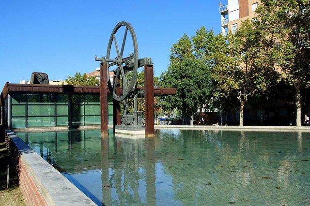 parc-de-la-maquinista-de-sant-andreu-Estany-Narcís-Monturiol-photo-by-Vicente-Zambrano-González-courtesy-of-Ajuntament-de-Barcelona-(CC-BY-NC-ND-4.0).jpg