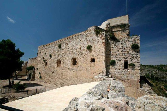 Castell-de-Miravet-photo-by-Josep-Giribet-courtesy-of-the-Generalitat-de-Catalunya-(CC-BY-NC-ND-2.0)-01.jpg