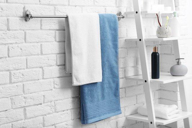 clean-towels-bathroom.jpg