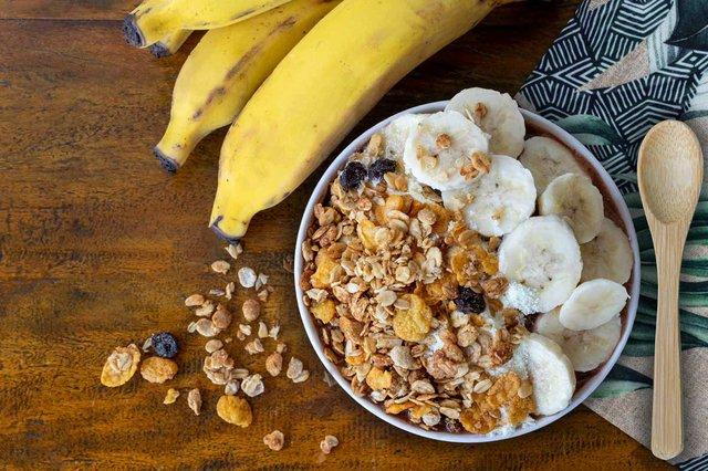 bowl-with-banana-granola.jpg