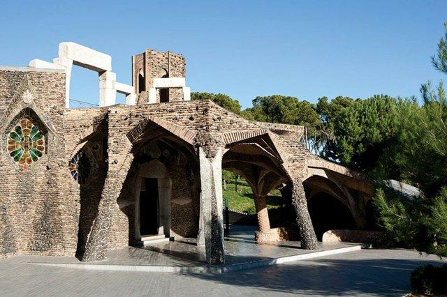 Gaudi-getaway-02.jpg