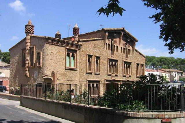 Ca_l'Ordal_(Rubió)-Canaan,-CC-BY-SA-4.0-,-via-Wikimedia-Commons.jpg