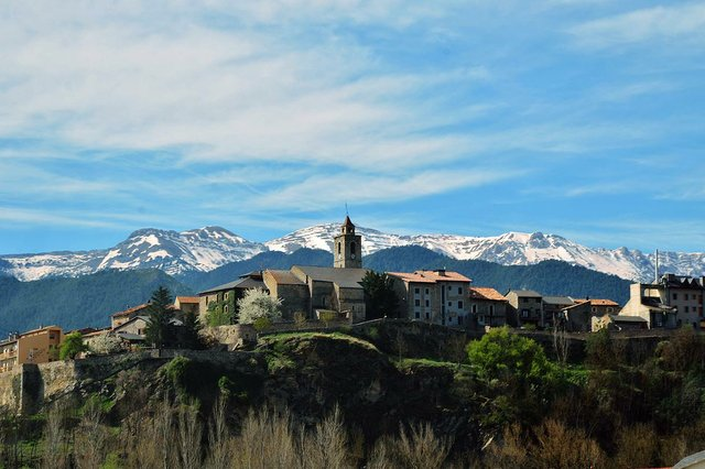 Bellver-de-Cerdanya-photo-by-MARIA-ROSA-FERRE-CC-BY-SA-2.0.jpg
