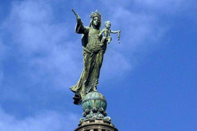 basilica-de-la-merce-estatua-de-la-mare-de-deu-photo-courtesy-of-Ajuntament-de-Barcelona-(CC-BY-NC-ND-4.0).jpg