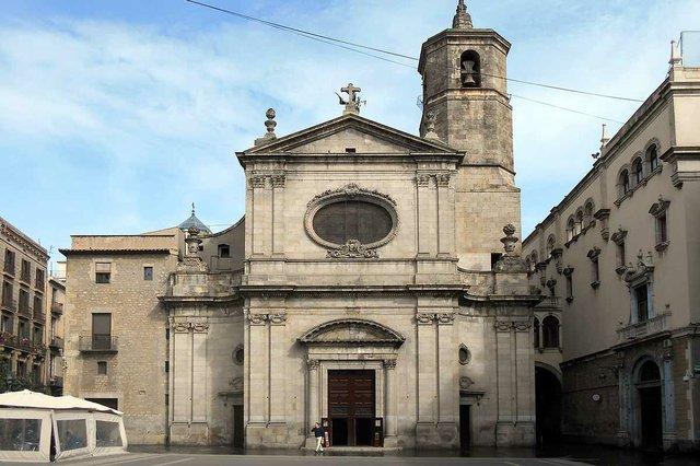 Basílica_de_la_Mercè_BCN-photo-by-Canaan,-CC-BY-SA-4.0--via-Wikimedia-Commons.jpg