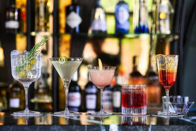 cocktails-on-bar.jpg