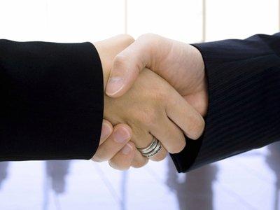 Handshake.Business-Lunch.home.jpg