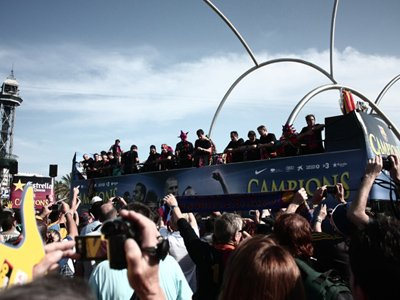 The FC Barcelona open-top bus takes to the streets once again