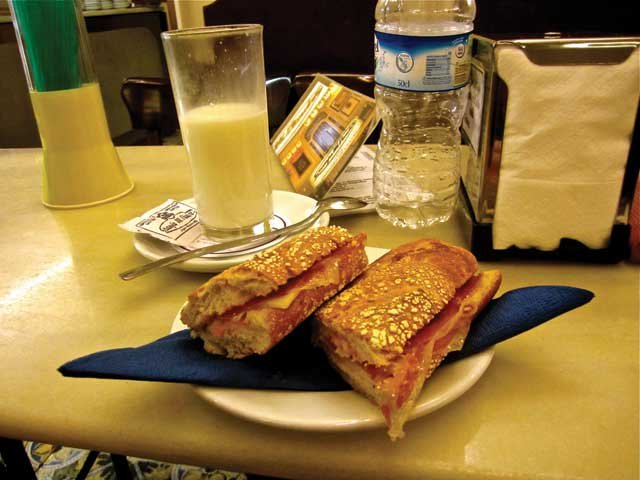 sandwich-and-milk.jpg